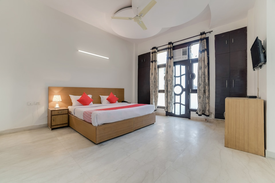 OYO 28853 Harkesh Residency