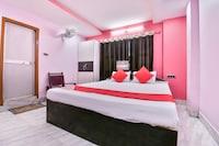 OYO 28860 Hotel Subhadra Palace