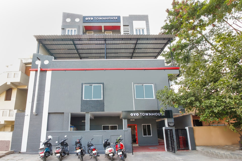 OYO Townhouse 269 Sunrise Apartment Begumpet