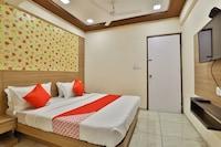 OYO 29048 Hotel Shri Krishna Palace