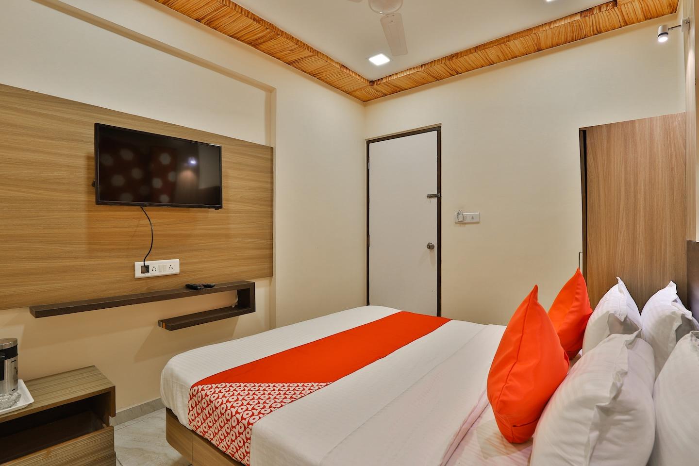 OYO 29048 Hotel Shri Krishna Palace -1
