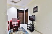OYO 161 Middle East Suite