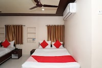 OYO 29186 Hotel Rd Palace