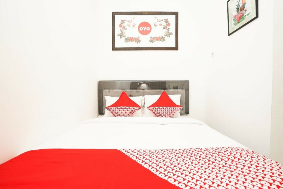 OYO 473 Darmo Permai Guesthouse, Dukuh Pakis, Surabaya