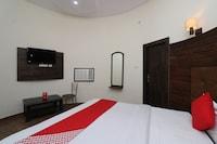 OYO 29234 Rajwada Lawn