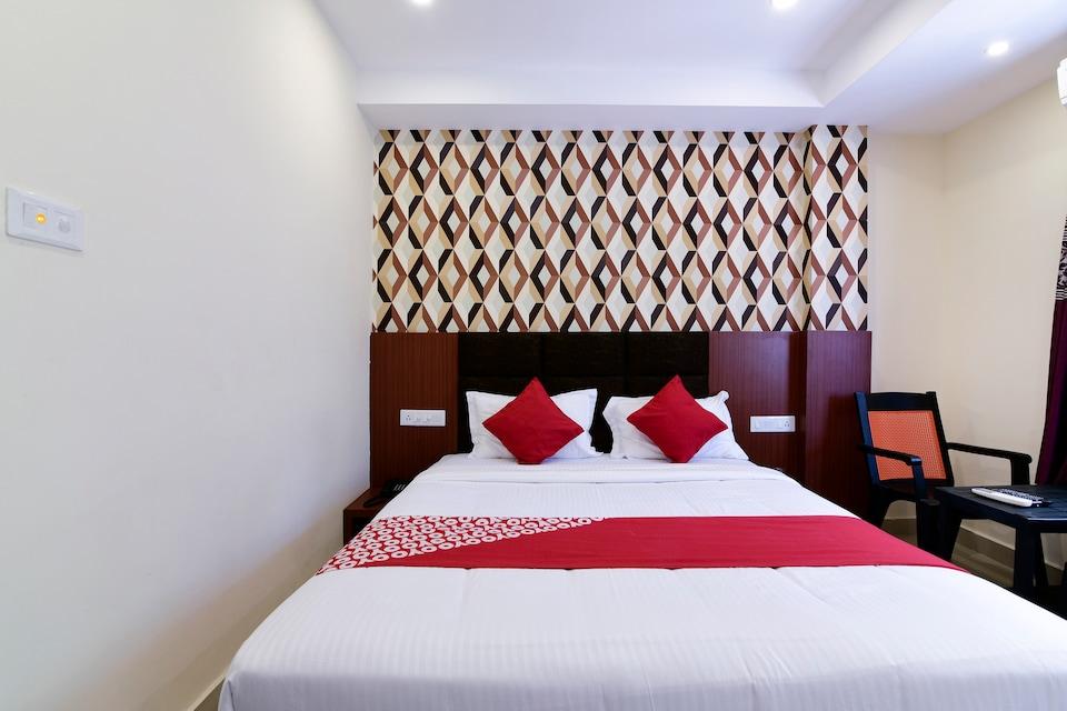 OYO 29282 Sm Hotel