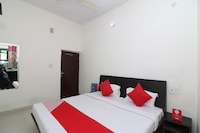 OYO 29283 Hotel Galaxy Inn Saver