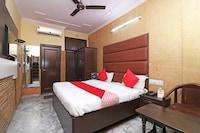 OYO 29304 Pooja Hotel