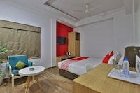 OYO 29305 Hotel Sanskruti Inn