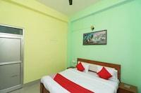 OYO 29357 Godavari Guest House