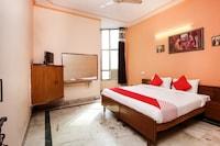 OYO 29394 Hotel Apoorva Deluxe