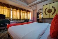 OYO 29398 Hotel Pax Inn