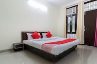 OYO 29403 Krishna Inn