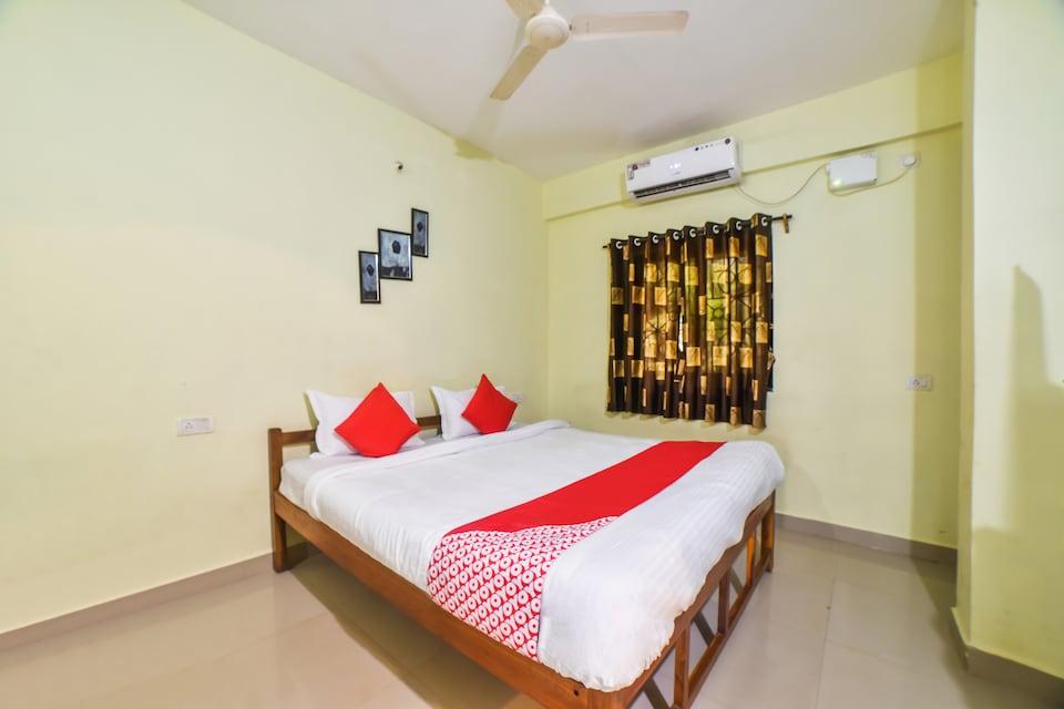 OYO 29422 Navdurga Holiday Stay