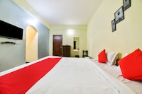 OYO 29422 Navdurga Holiday Stay