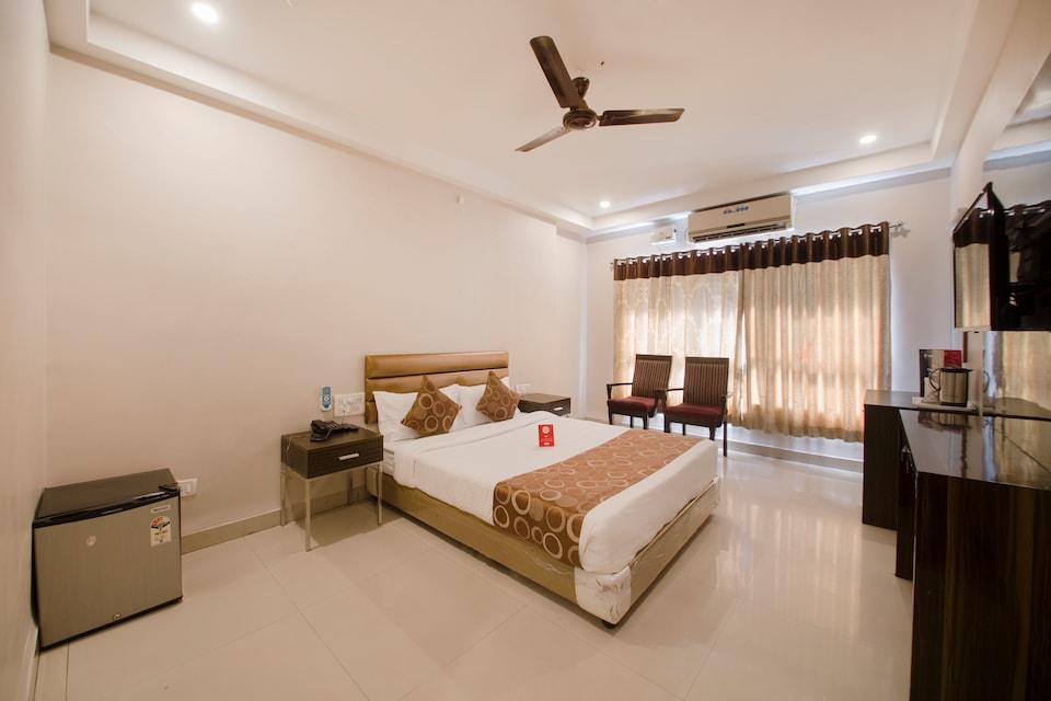OYO 600 Hotel Skyhy, Abids-II, Hyderabad