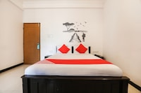 OYO 29638 Gmr 18 Hotel
