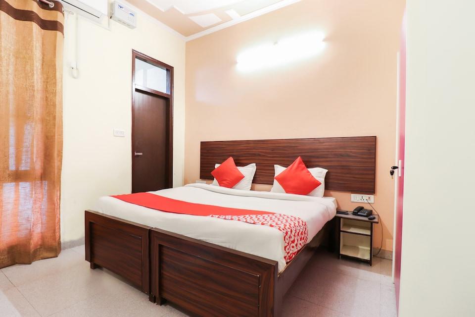 OYO 29712 Hotel City Residency