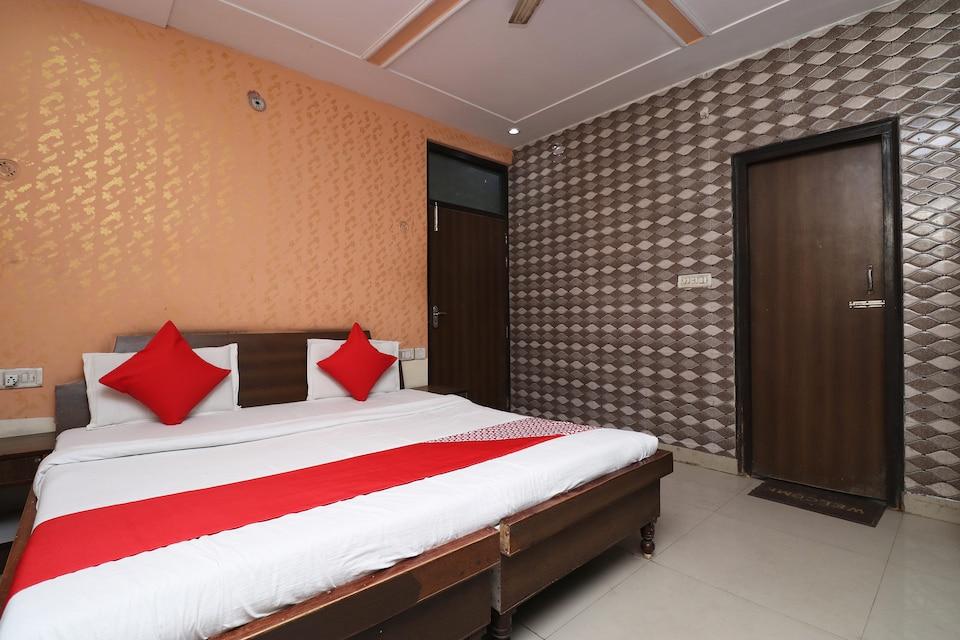 OYO 29742 Hotel Seva & Restaurant