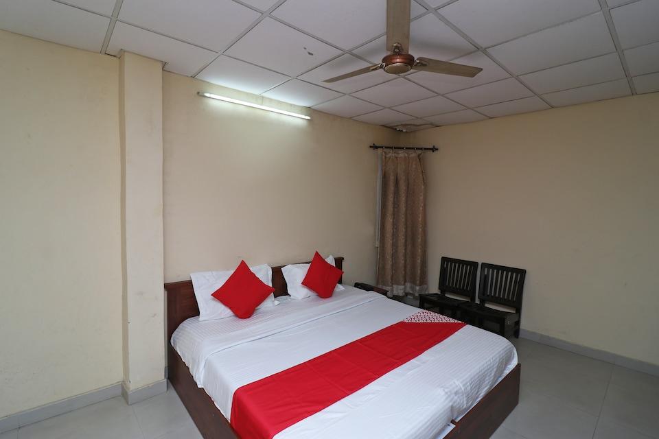 OYO 29753 Raunaq Guest House