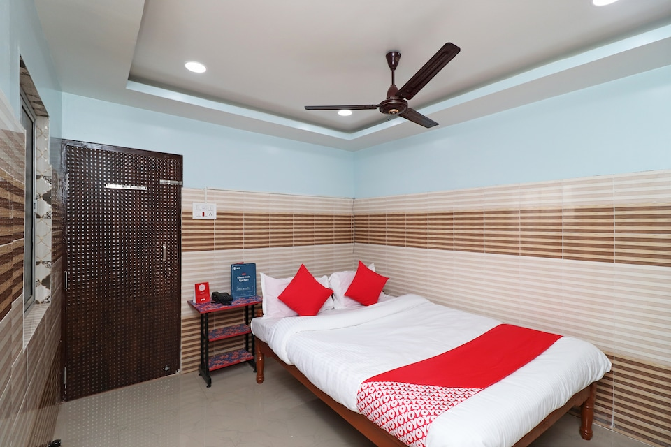 OYO 29767 Gayatri Holiday Home