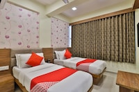 OYO 29774 Hotel Vitthal Palace