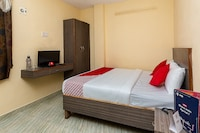 OYO 29805 Mars Guest House Saver