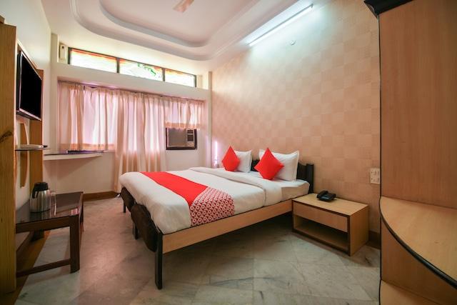 OYO 29827 Hotel Kanak Sagar
