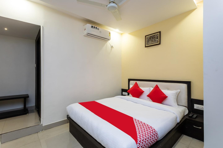 OYO 29832 Hotel Trishla -1