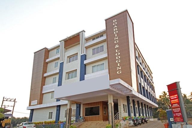 OYO 29857 Hotel Ambika International