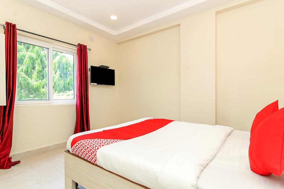 OYO 29928 Royal Emirates Banjara, Banjara Hills, Hyderabad