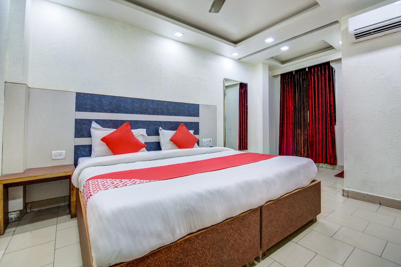 OYO 29935 Hotel Harman Palace -1
