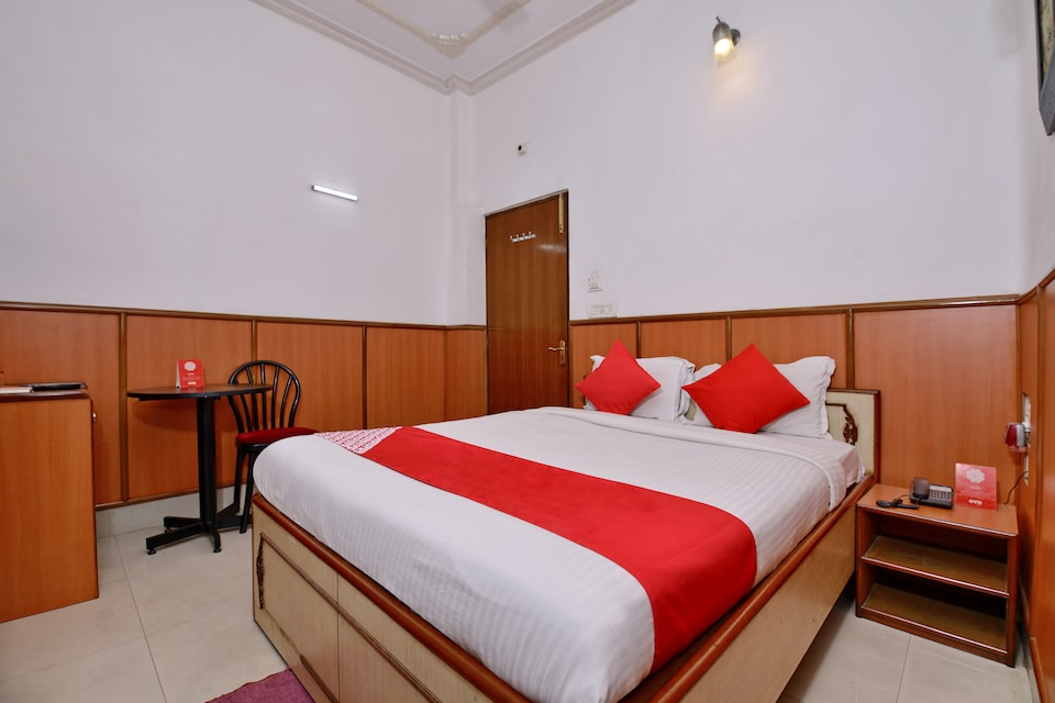 OYO 3436 Shree Utsav Palace Guest House