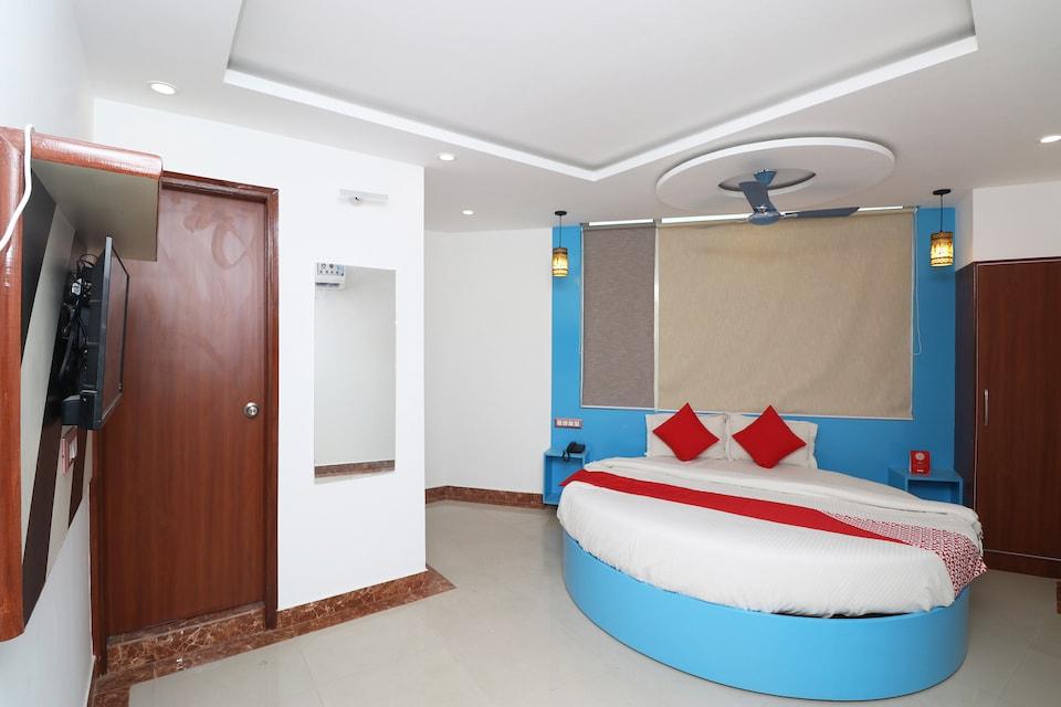 OYO 29952 D Comfort Residency