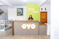 OYO 496 Eston House