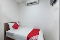 OYO 772 Lux Hotel