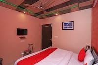 OYO 30141 Adarsh Hotel And Restaurant Deluxe