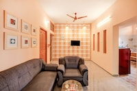 OYO Home 30143 Colourfull 2BHK Near Airport