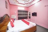 OYO 30144 Hotel Sherina