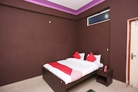 OYO 30150 Hotel Goyal