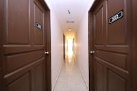 OYO 775 Hotel Sahara Inn