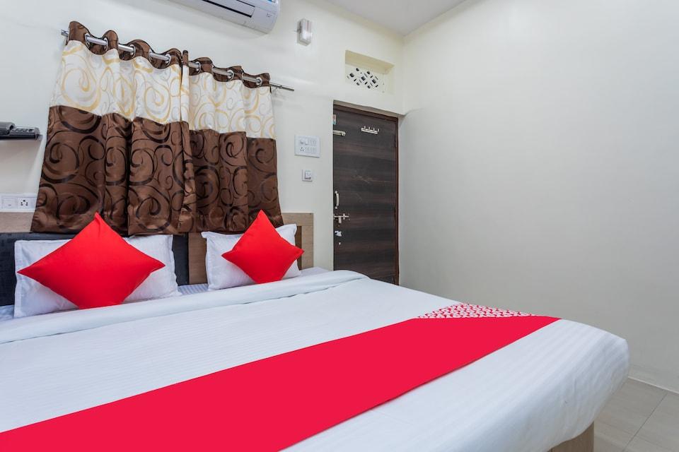 OYO 30202 Hotel Radhe Krishna Palace
