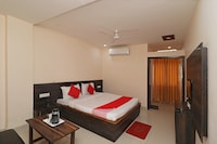 Capital O 30234 Hotel Shri Sai Amrit