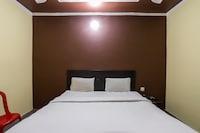 SPOT ON 30256 Hotel Blue Star SPOT