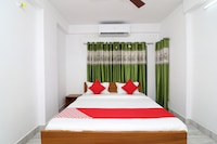 OYO 30269 Amar Raj Inn Deluxe