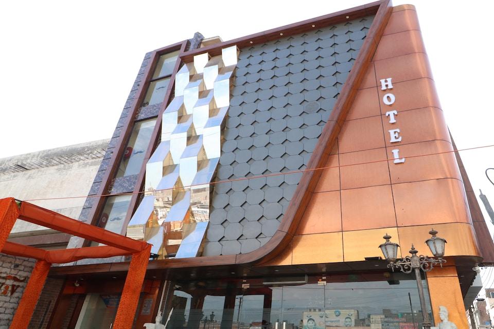 OYO 30277 Hotel V2v