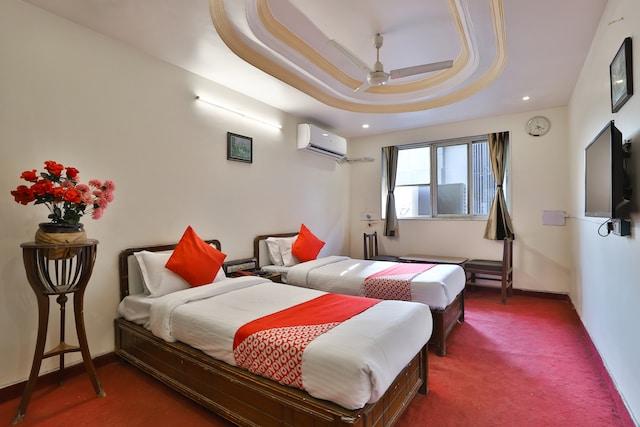 OYO 30296 Hotel Sha-inn
