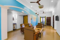 OYO Home 30300 Compact 2BHK Near Serenity Beach