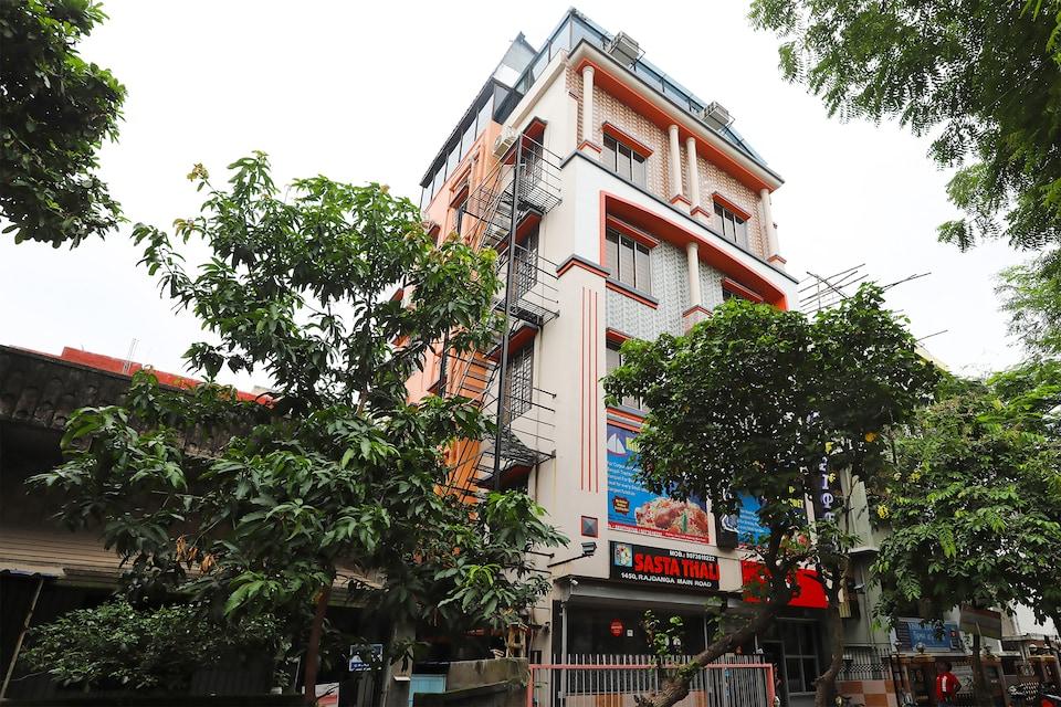OYO 30316 The Corporate Inn