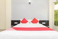 OYO 30324 Hotel Ravikiran Saver